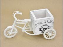 Műanyag tricikli fa kaspóval kocka fehér