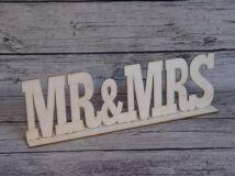 "Natúr fa - ""Mr & Mrs"" felirat talppal 50cm"