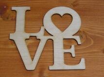 """Natúr fa - """"LOVE""""  felirat 15x16cm"""