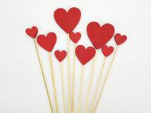 Piros fa szívek beszúrható vegyes 9db/cs