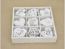 Fa fehér szívek dobozban 90db/doboz