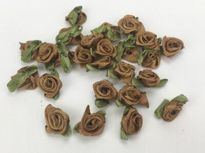 Szatén rózsafejek  barna 25db/csomag