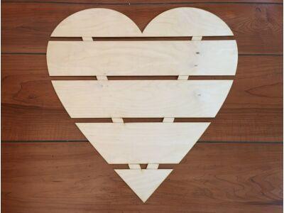Natúr fa raklap szív 50cm
