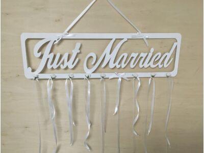 """Natúr fa """"Just Married"""" tábla fehér"""