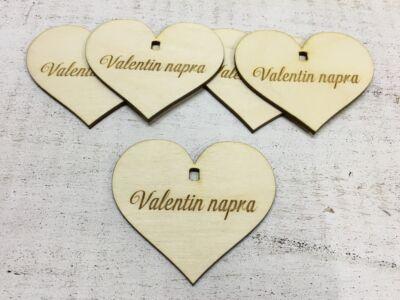 """Natúr fa szív """"Valentin napra"""" 7cm 5db/cs (szív állványhoz)"""