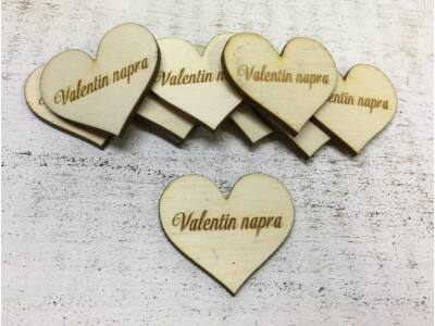 """Natúr fa - Szív """"Valentin napra"""" 10db/csomag"""